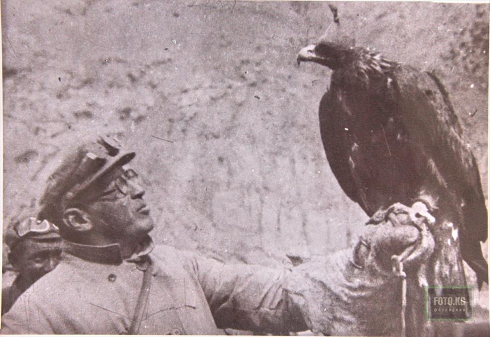 Mikhail Timofeevich Pogrebetskiy with the Golden Eagle