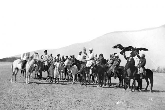 Competitions on falconry of Khivan khan by photographer Paul Nodar in 1890 2nd ph L