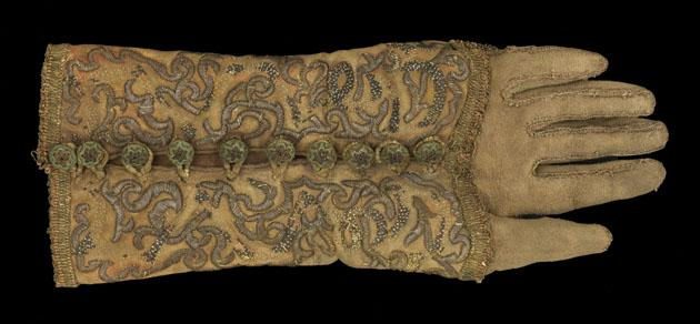 Silk and silver embroidered falconry glove, Southern Germany, circa. 1670