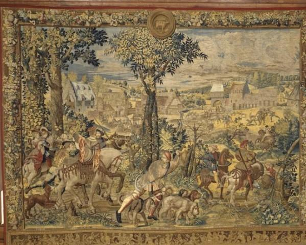 In Louvre 1530 tapestry The Hunts of Maximilian said Beautiful hunts of Guise 2